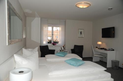 Ein Zimmer in der Unterkunft Hotel Adler - Weil am Rhein / Basel