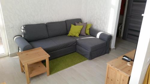 Гостиная зона в Apartments na Prosvesheniya 147/1
