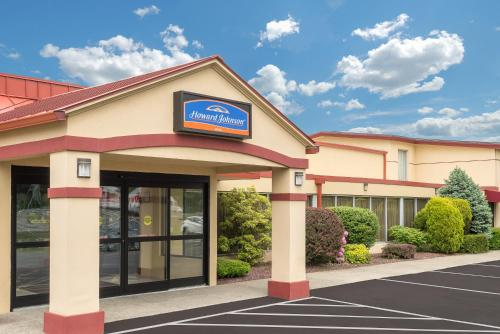 The facade or entrance of Howard Johnson by Wyndham Saugerties