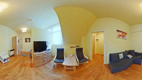 The lounge or bar area at Apartamenty Marco - Stare Miasto