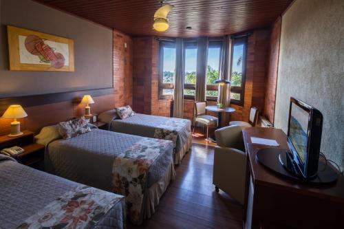 A room at Hotel Serra Nevada