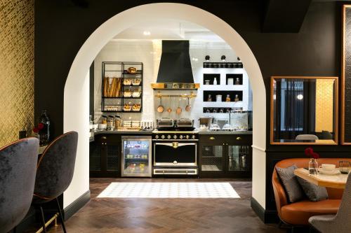 O lounge ou bar de Hôtel Square Louvois