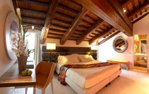 Una habitación en Sina Centurion Palace