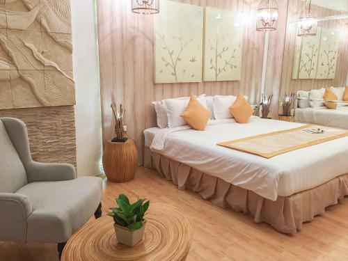 A room at Dhevan Dara Beach Villa Kuiburi