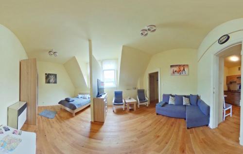 A seating area at Apartamenty Marco - Stare Miasto
