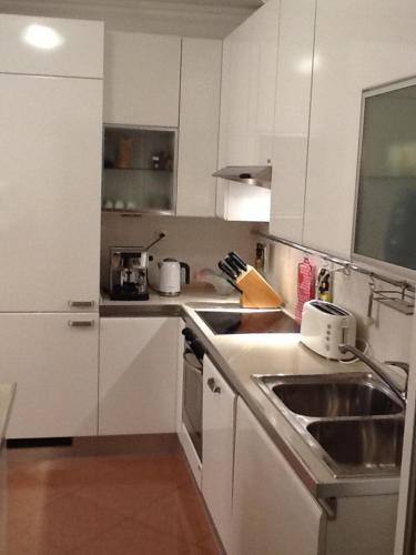 A kitchen or kitchenette at Villa Bisou