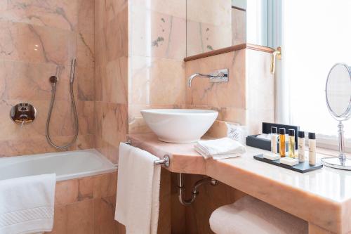 Salle de bains dans l'établissement Hotel Manzoni