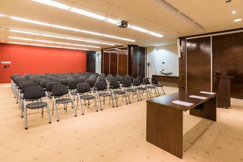 Der Geschäftsbereich oder Konferenzraum in der Unterkunft Hotel Sol Garden Istra for Plava Laguna