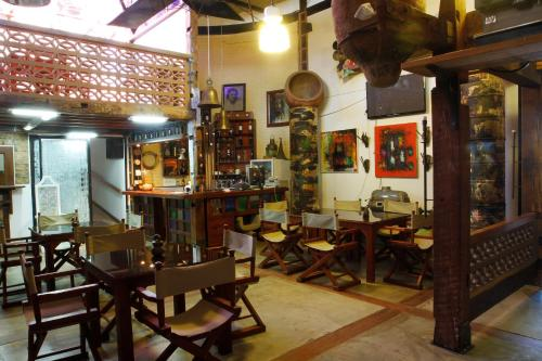 A restaurant or other place to eat at Casa Taller Ramirez