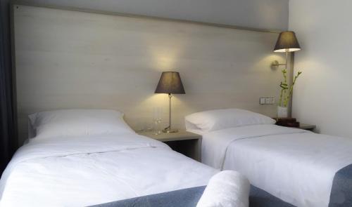 A room at Fili House Hotel