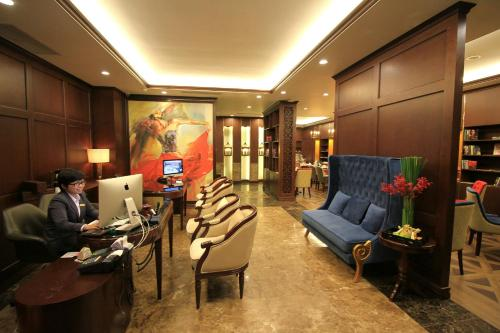 The lobby or reception area at The Scarlett Boutique Hotel