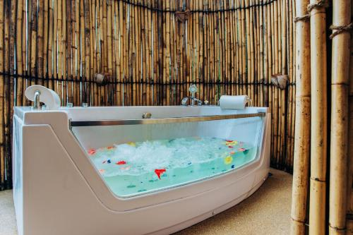Spa and/or other wellness facilities at Koh Yao Yai Hillside Resort