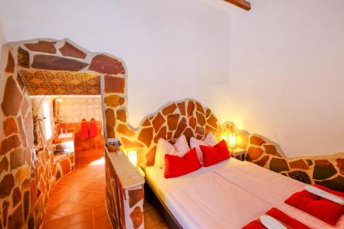 Spa and/or other wellness facilities at Finca el Romero