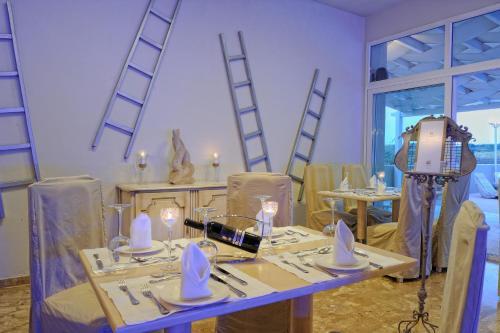 Ресторан / где поесть в Paradise Island Villas