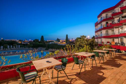 A restaurant or other place to eat at Hotel da Aldeia