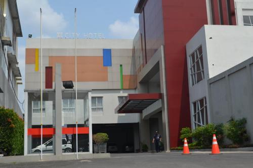 The facade or entrance of City Hotel