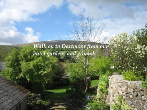 A garden outside The Oxenham Arms Hotel Devon
