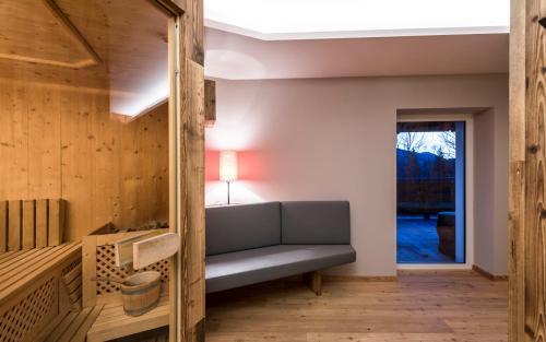 Ein Sitzbereich in der Unterkunft Hotel Waldheim