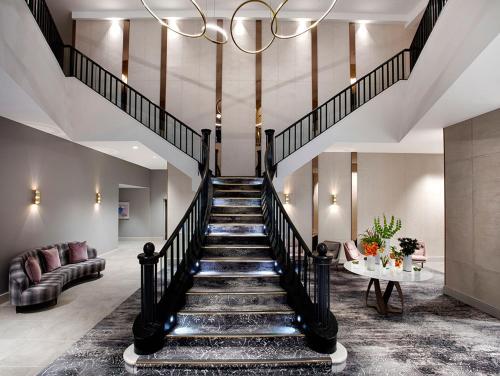 The lobby or reception area at Hilton Edinburgh Carlton