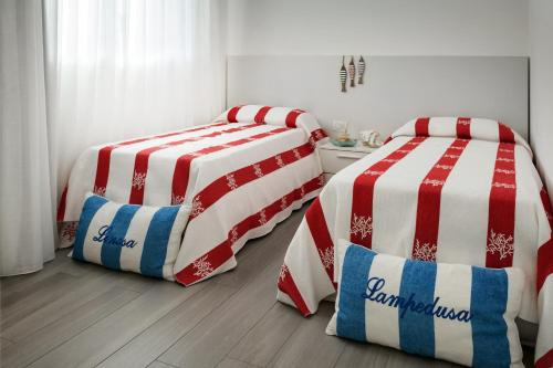 A bed or beds in a room at Cala Palme
