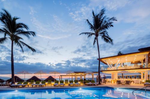 Villa Premiere Boutique Hotel & Romantic Getawayの敷地内または近くにあるプール