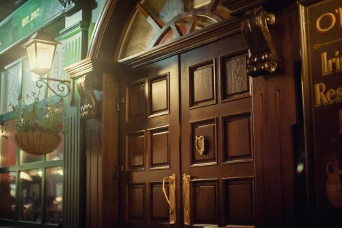Фасад или вход в Отель O'Хара