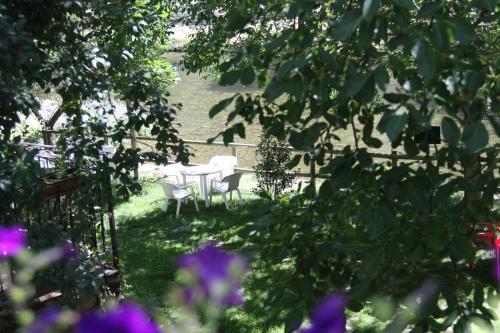 Un patio o zona al aire libre en Hotel La Venta de Goyo