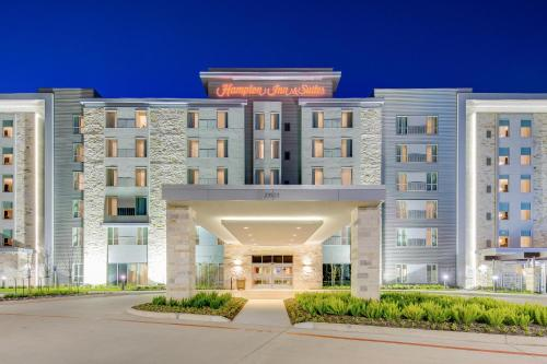 The facade or entrance of Hampton Inn & Suites North Houston Spring