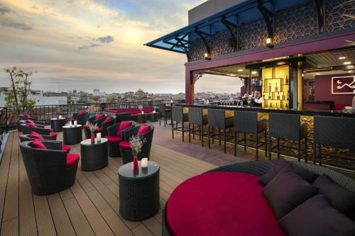A restaurant or other place to eat at MK Premier Boutique Hotel