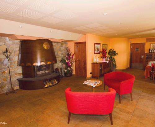 The lobby or reception area at Els Meners