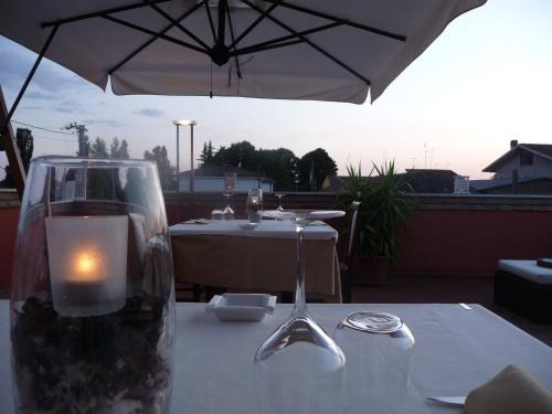 A restaurant or other place to eat at Locanda Il Fagiano
