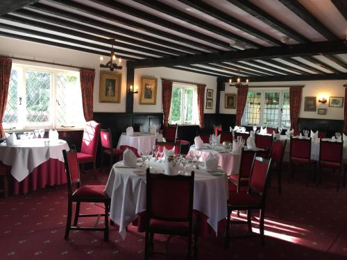 A restaurant or other place to eat at The Brickwall Hotel