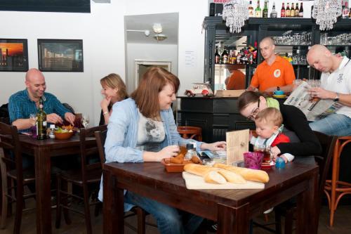 Een gezin dat verblijft bij City Hostel Vlissingen