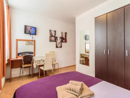 A room at Sweet Dreams Apartments