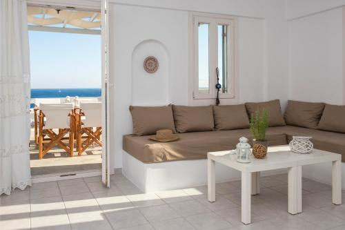 A seating area at Cleopatra Seaside Homes