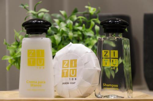 Utensilios para hacer té y café en ZITU 106
