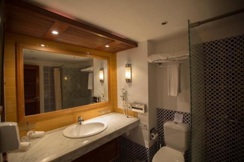 Een badkamer bij Lido Sharm Hotel Naama Bay