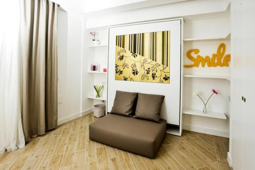 A seating area at Click&Sleep