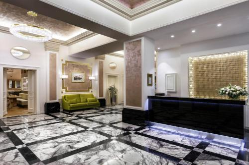 The lobby or reception area at COSMOPOLITAN Hotel Prague