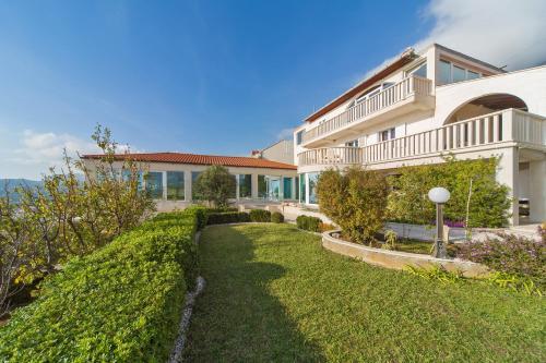 Jardin de l'établissement Villa Residence Lantoni