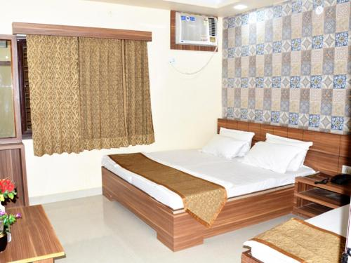 A room at HOTEL ATA INN AND RESTAURANT (20 Mtrs from Dargah), Ajmer