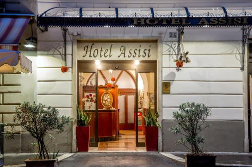 The facade or entrance of Hotel Assisi