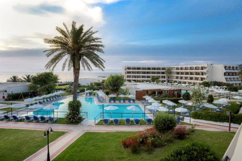 A view of the pool at Hotel Cosmopolitan Affiliated by Meliá or nearby