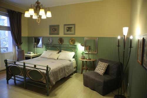 Кровать или кровати в номере Mogol Apartments near Nevsky prospect