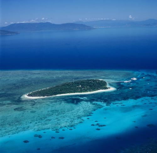 A bird's-eye view of Green Island Resort