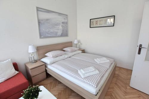 A room at Angel City Aparthotel