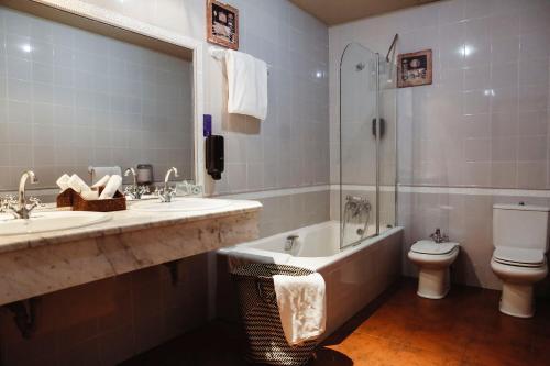 Un baño de Hotel Convento San Roque