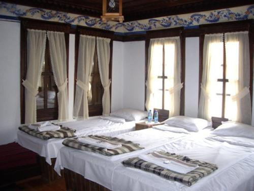 Легло или легла в стая в Popsokol House