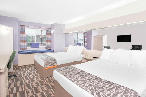 A room at Microtel Inn and Suites by Wyndham Appleton