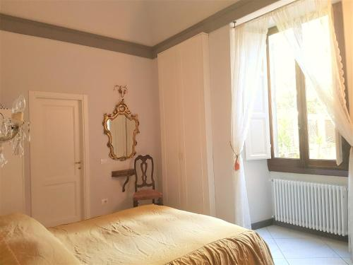 A bed or beds in a room at Luxury in Duomo